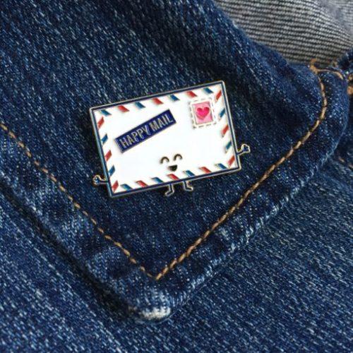 queeniescards_enamel-pins_happy-mail-11-510x510
